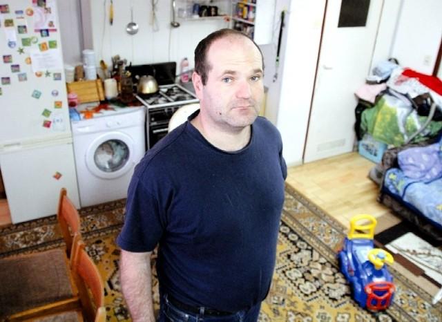 Pan Leszek mieszka z rodziną w lokalu użytkowym, dlatego nie mogą ubiegać się o dodatek mieszkaniowy. Mimo tego, że traktują go i urządzili , jak mieszkanie.