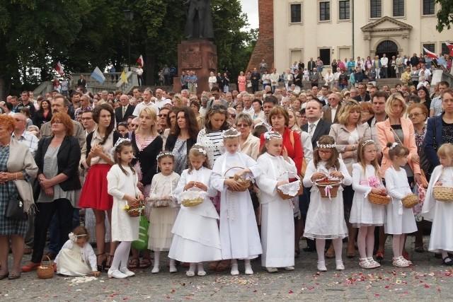Boże Ciało w Gnieźnie: Procesja z prymasem Polakiem