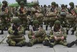 Moskwa zaprasza prezydenta Ukrainy na rozmowy. Rosja wycofuje wojska. W co gra Putin?