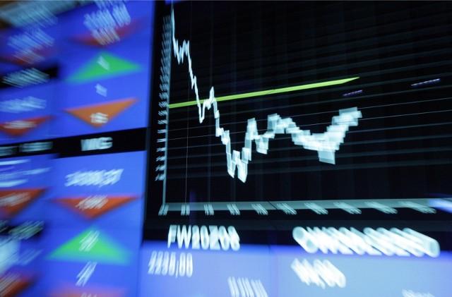 Światowe indeksy giełdowe doświadczają ożywienia, waluty safe-haven nie zyskują, a waluty gospodarek wschodzących stabilizują się.