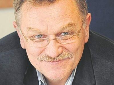 Jacek Deptuła, autor komentarza