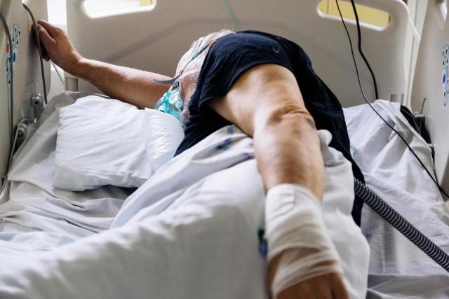Jak podaje NFZ, na pacjenta przewidziano minimum 96 zabiegów fizjoterapeutycznych.