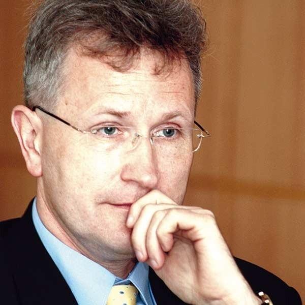Mariusz Kocój, nowy dyrektor krośnieńskiego szpitala, jeszcze niewiele mógł powiedzieć radnym powiatu.