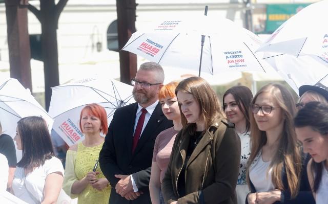 Rzeszowianki wsparły kandydaturę Grzegorza Brauna na prezydenta miasta.