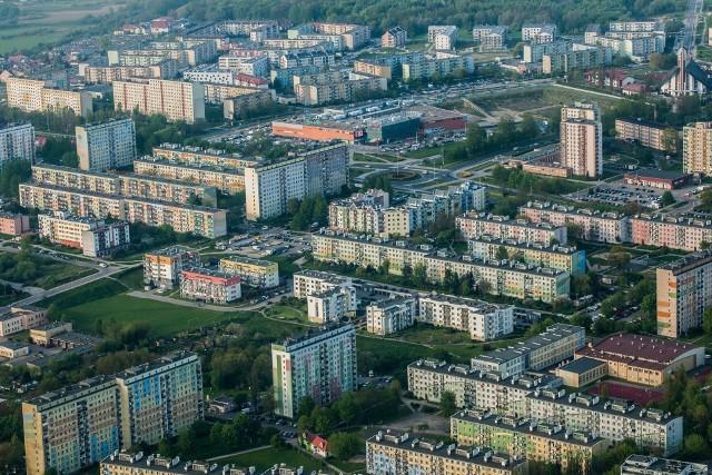 Na naszym profilu facebookowym gk24 zapytaliśmy naszych Internautów o plusy mieszkania w Koszalinie. Post wywołał sporą dyskusję. Jak zalety mieszkania w Koszalinie widzą nasi Internauci?Sprawdźcie na kolejnych slajdach >>>