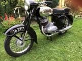 Jawa ČZ z 1961 roku wystawiona na sprzedaż. Jak jest cena unikatowego motocykla Jawa ČZ rocznik 1961. Świetnie zachowana Jawa na OLX