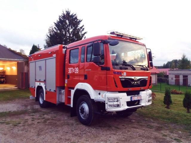 OSP w Kozińcach dostała nowoczesny wóz ratowniczo - gaśniczy. Zdjęcie pochodzi z fanpejdża OSP Dobrzyniewo Duże
