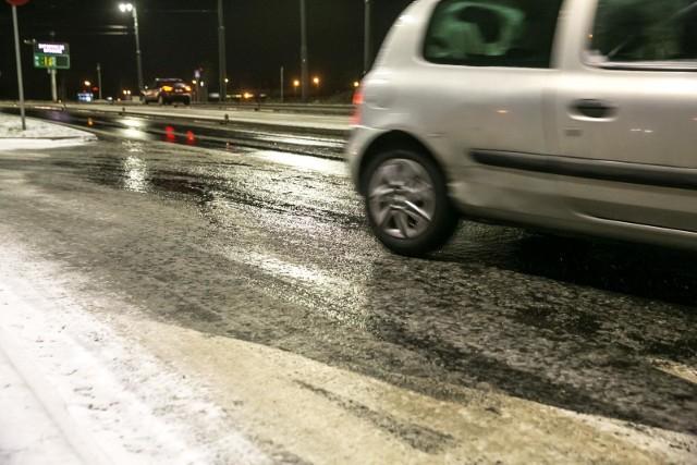 14.01.2019 krakow zima snieg lod warunki drogowe  slisko fot. anna kaczmarz / dziennik polski / polska press