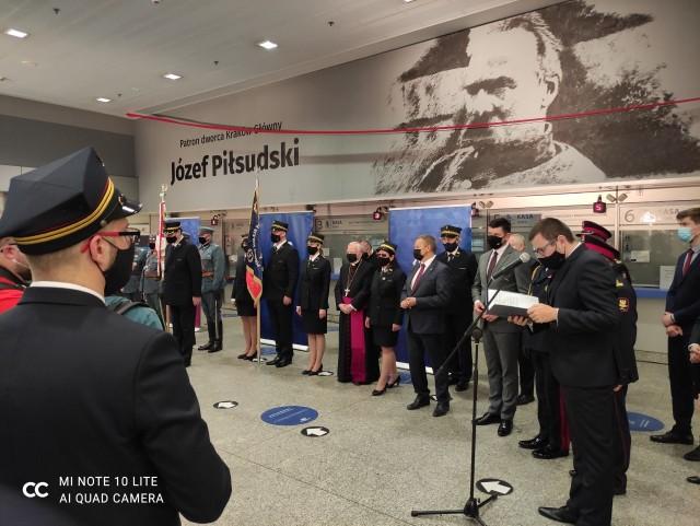 Uroczystości nadania imienia Józefa Piłsudskiego głównemu dworcowi kolejowemu w Krakowie