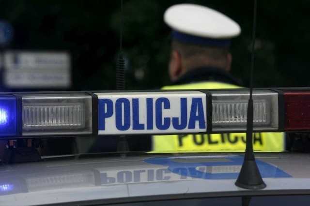 Motocyklista zginął po zderzeniu z ciężarówką w Koninie
