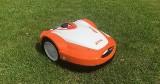 Oddaj trawnik pod nadzór robotowi