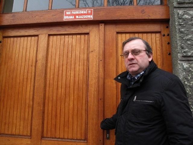 - Chciałem tylko by ta kobieta przeczytała, co jest napisane na bramie – opowiada Ryszard Mikuś.