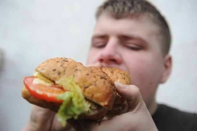 29 procent polskich 11-latków ma problem z nadwagą. To jeden z najgorszych wyników na świecie