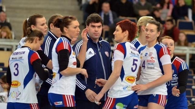 Maciej Kosmol w poprzednim sezonie był trenerem Budowlanych. Teraz prowadzi Siódemkę.