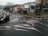 Wąskie gardło na Świętoduskiej. Odtworzą asfalt po niedawnej awarii sieci wodociągowej