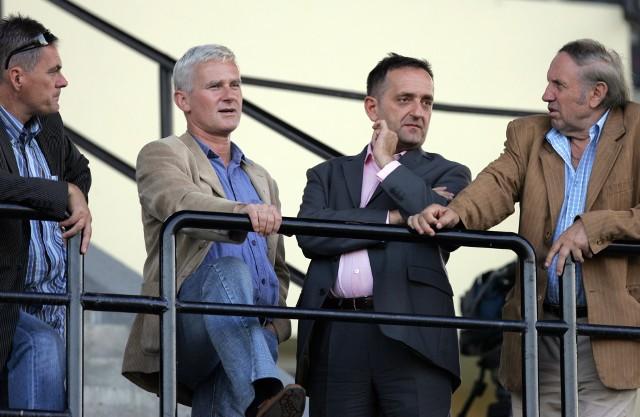 Grzegorz Ślak (z prawej) chce kupić Śląsk Wrocław. Tu w towarzystwie Michała Listkiewicza