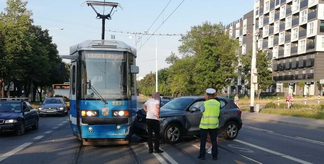 Kolizja tramwaju na Grabiszyńskiej