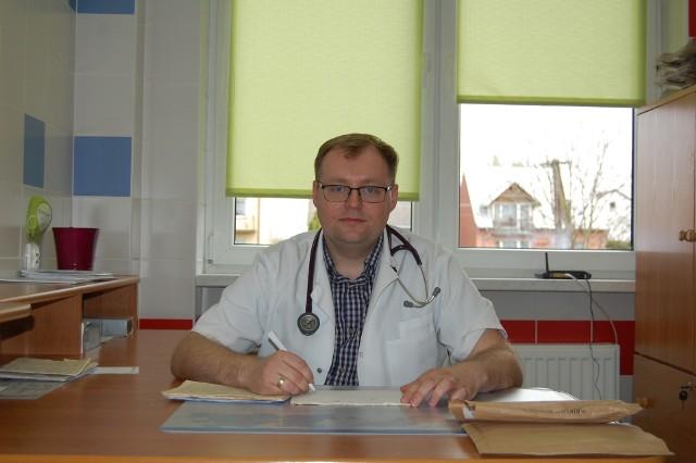 Doktor Damian Dziurzyński jest w trakcie specjalizacji z pediatrii. Przyjmuje już  w ośrodku zdrowia w Świętej Katarzynie.