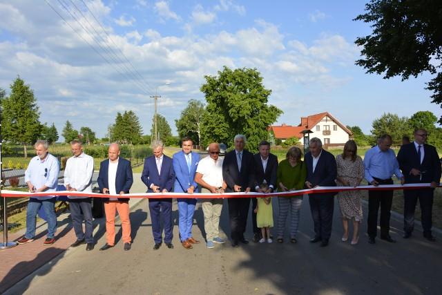 Nowy odcinek drogi powiatowej, który biegnie przez miejscowość Jaworówka, ma ponad 900 metrów.