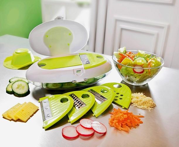 Szatkownica do warzywRęczna szatkownica do warzyw jest niewielka i lekka.