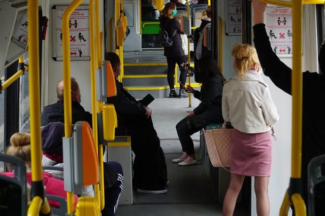 Mimo dopuszczenia większej liczby pasażerów mogących korzystać ze środków komunikacji miejskiej, tłoku w autobusach i tramwajach MPK nie ma