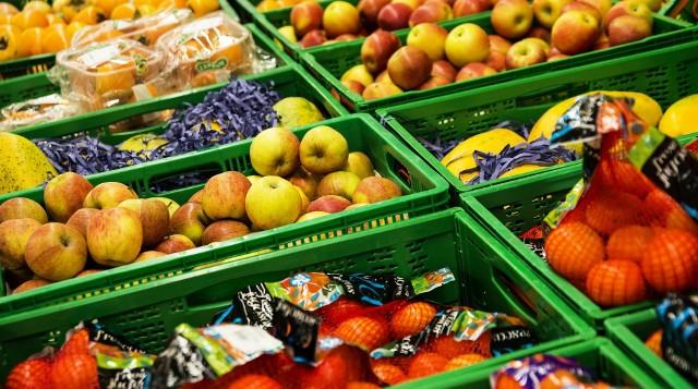 Główny Inspektorat Sanitarny bada żywność, którą kupujemy w sklepach. Każdego miesiąca GIS ostrzega o kolejnych produktach wycofanych ze sprzedaży, które mogą szkodzić zdrowiu.Okazuje się, że wiele produktów jest szkodliwych dla zdrowia i w ogóle nie powinno trafić do sklepów!GIS ostrzega przed kilkoma produktami, które zostały wycofane ze sprzedaży w związku z wykryciem w nich tlenku etylenu. Tlenek etylenu to substancja szkodliwa dla zdrowia. Stosowanie tlenku etylenu do żywności wprowadzanej na rynek w Unii Europejskiej jest niedozwolone.Zobacz wycofane przez GIS produkty na kolejnych zdjęciach >>>