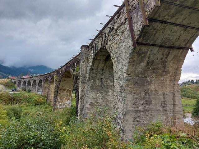 Dawny wiadukt kolejowy w Worochcie