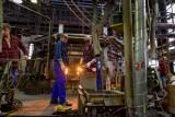 Białostocki Biaglass - największa w Europie huta szkła oświetleniowego - ma już 90 lat! Zajrzyjcie tu z nami (wideo)
