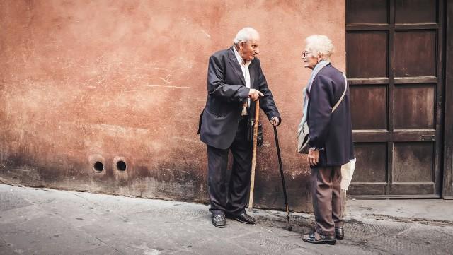 Choroba Parkinsona - jakie ma objawy? Rehabilitacja i dieta wspomagająca walkę z Parkinsonem