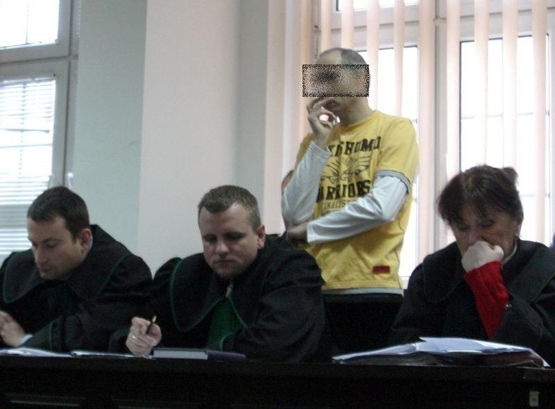 Krzysztof Sz. na sali w Sądzie Okręgowym w Słupsku.