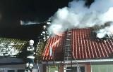 Aktualizacja. Pożar domu w podkępickich Osiekach. 9 osób straciło dach nad głową. Potrzebna pomoc (ZDJĘCIA)
