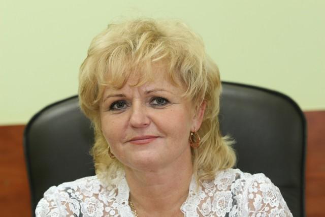 Małgorzata Stanioch, dyrektor Powiatowego Urzędu Pracy w Kielcach: Zapraszamy wszystkich zainteresowanych do korzystania  z naszych usług na rynku pracy. Wychodząc na przeciw naszym klientom, przygotowaliśmy szeroką akcje informacyjno – promocyjną.
