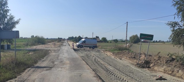 Maszyna do prac drogowych uszkodziła gazociąg w gminie Lisewo. Ewakuowano kilkanaście osób