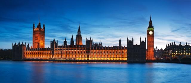 Brytyjski minister handlu międzynarodowego Liam Fox zaproponował kilka tygodni temu obniżenie stawek celnych dla towarów zagranicznych. To rozwiązanie miałoby zapobiec szybkiemu wzrostowi cen w UK po wyjściu z UE.
