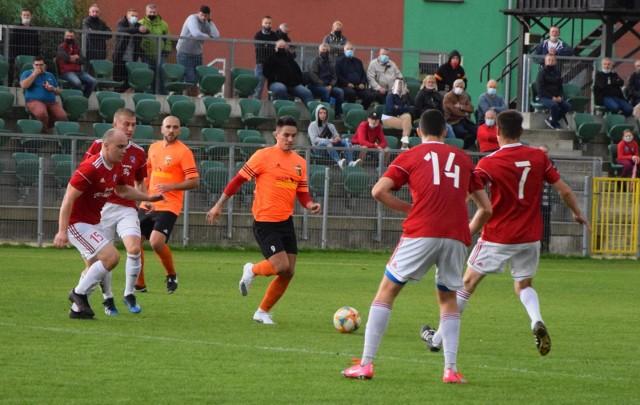 Za nami już wszystkie dziewięć spotkań 6. kolejki BS Leśnica 4 Ligi Opolskiej. Prezentujemy tym samym raporty z poszczególnych meczów i ich podsumowanie.