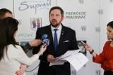 Radosław Dobrowolski apeluje o zgodę i pracę. Przeciwnicy burmistrza łączą siły (zdjęcia, wideo)