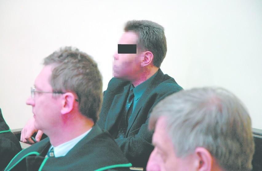 Skazany (pomiędzy adwokatami) za nieumyślne spowodowanie katastrofy Adam W. jako jedyny z oskarżonych przyszedł na ogłoszenie wyroku.