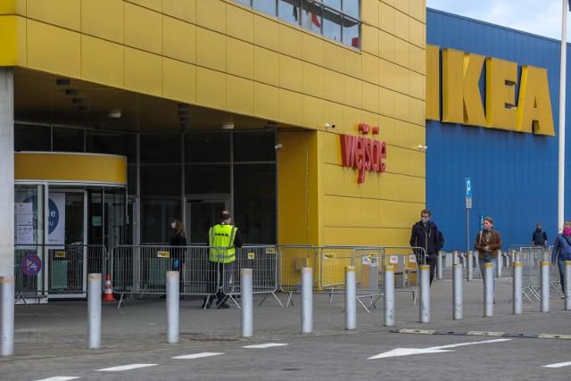 Ikea przymierza się do otwarcia paczkomatów