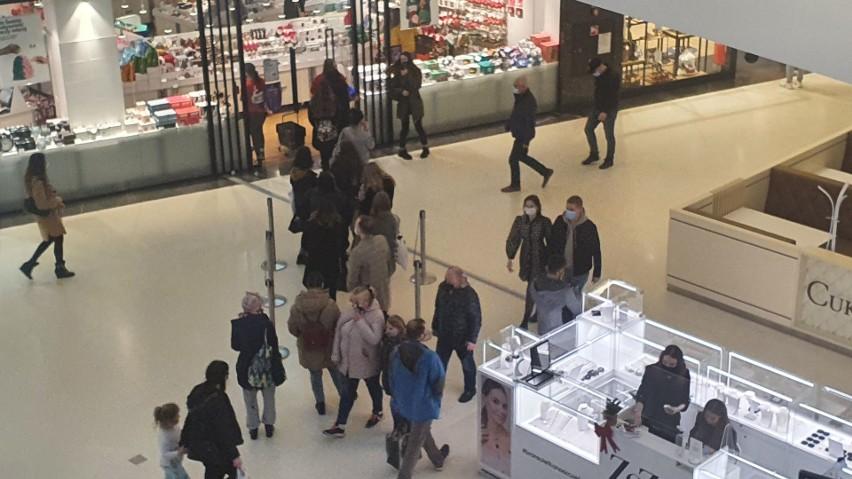 Poznaniacy wyruszyli na zakupy. W galeriach handlowych...