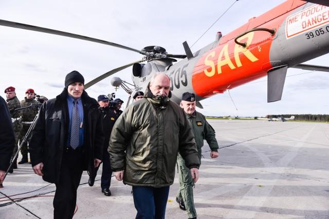 Antoni Macierewicz odwiedził Brygadę Lotnictwa Marynarki Wojennej w Gdyni