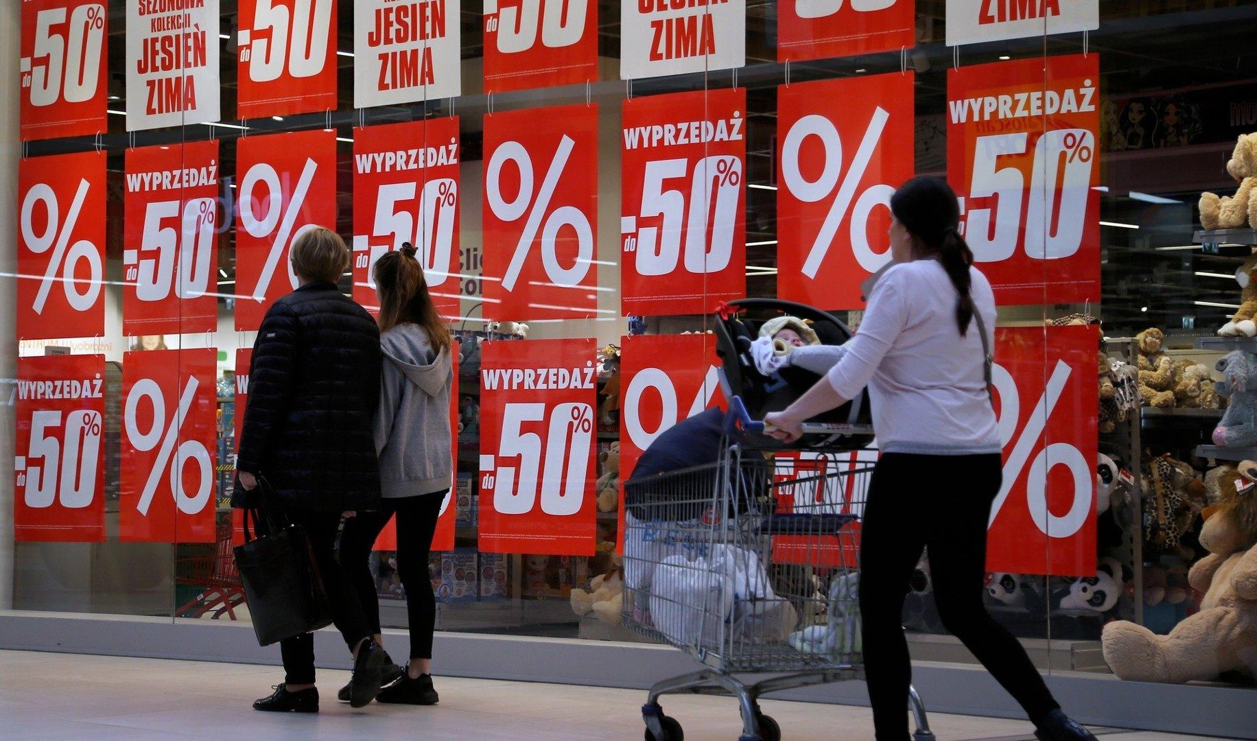 9047a469188515 W Black Friday (Czarny Piątek) sprzedawcy kuszą dużymi obniżkami cen.