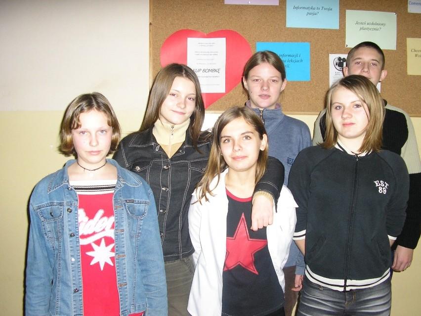 Na zdjęciu Paulina Stańczyk, Natalia Wiśniewska, Patrycja Wojtczak oraz przyjaciele.