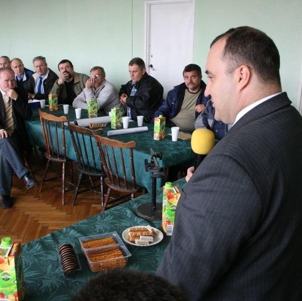 Wicepremier Przemysław Gosiewski spotkał się w czwartek z kierowcami MPK w Kielcach.