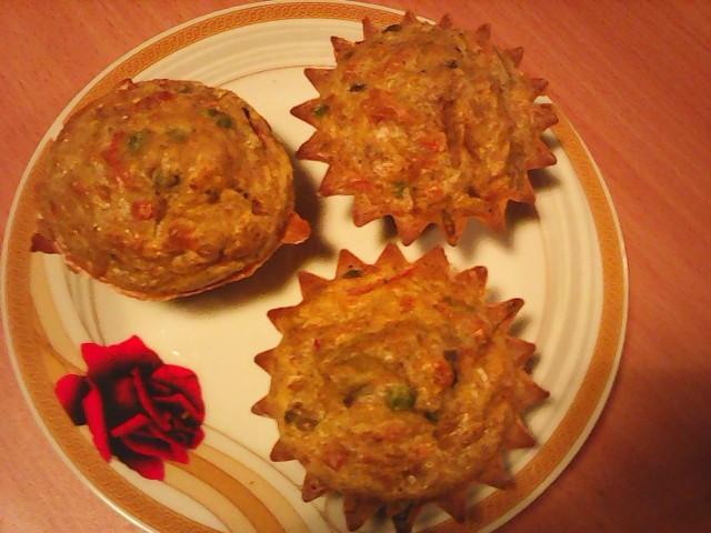 Najlepsze śniadanie jest Jeremiego - mufinki z mąki żytniej, jaj i mleka z warzywami, przyprawione orientalnie m. in. kardamonem