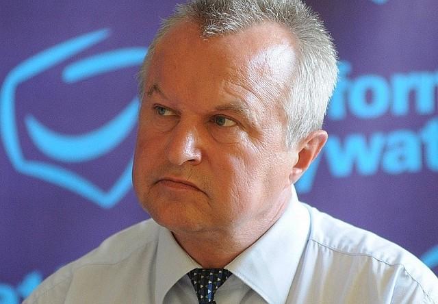 Trzy nowe warianty przedstawił na spotkaniu z szefami wszystkich klubów,  Bogusław Wierdak, przewodniczący  sejmiku Opolszczyzny.
