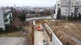 Kraków. Linia tramwajowa do Górki Narodowej. 10 miesięcy budowy nowego torowiska.. Widać już, którędy pojedzie tramwaj