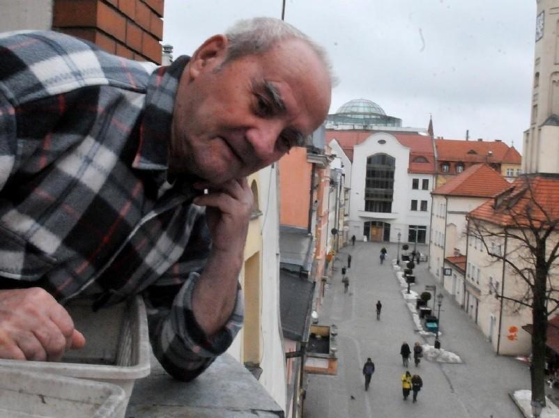 Zielona Góra. Jest szansa, że Złoty Dom ożyjeHipolit Kordek uważa, że otwarcie Złotego Domu ożywiłoby deptak i podniosło dochody miasta.