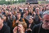 """""""Wolność"""" kocham i rozumiem. Plejada gwiazd polskiej sceny muzycznej zagrała na Placu Zebrań Ludowych"""