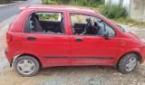 Atak na kuratorkę w gminie Krasocin! Kobietę pobito i zniszczono jej samochód