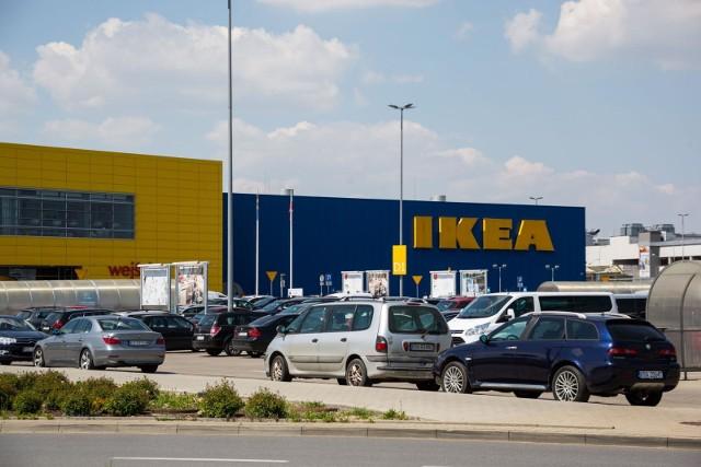 Wyprzedaż w IKEA Katowice. Sprawdź, ile teraz kosztują produkty z IKEA i zastanów się nad wyborem.Zobacz kolejne zdjęcia. Przesuwaj zdjęcia w prawo - naciśnij strzałkę lub przycisk NASTĘPNE